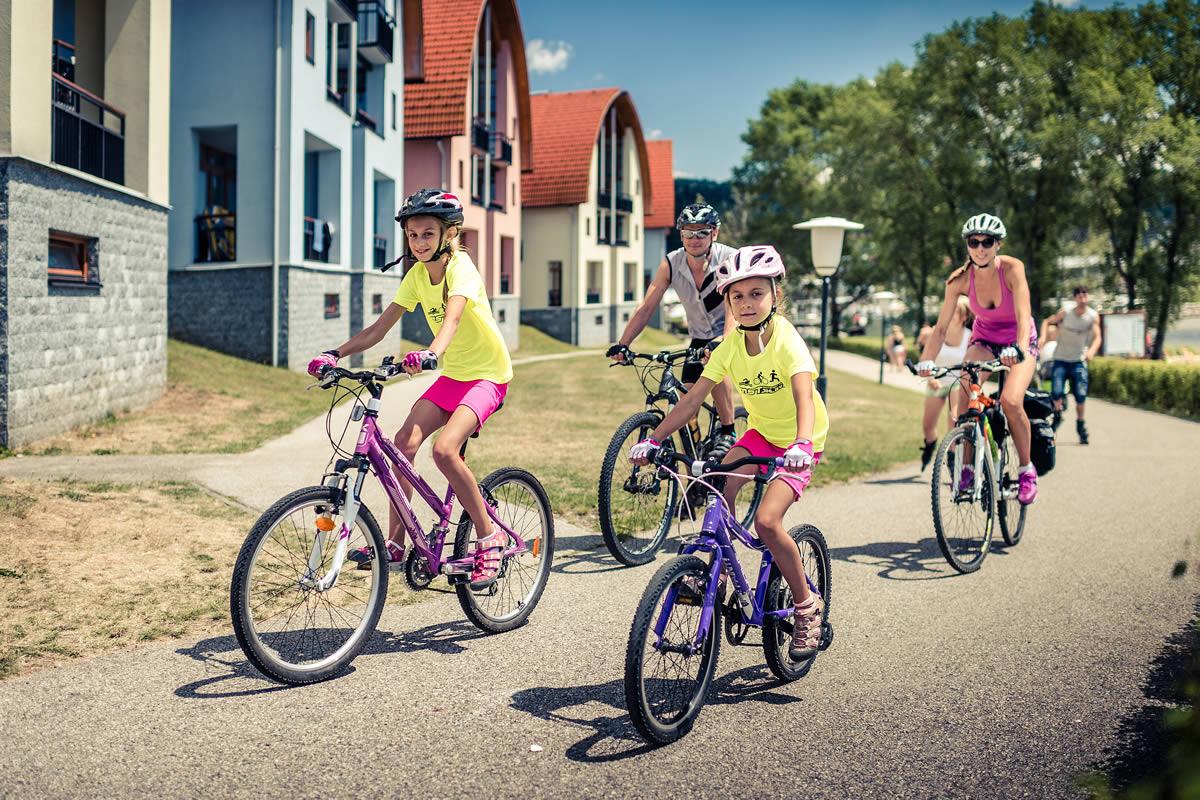 Cyklostezka na Lipně